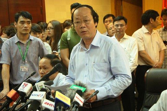 Chủ trì họp báo, Thứ trưởng Bộ TN-MT Võ Tuấn Nhân cho rằng chưa có bằng chứng Formosa liên quan tới cá chết hàng loạt. Ảnh: NGUYỄN HƯỞNG