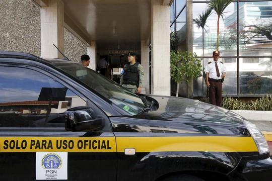 Văn phòng Công ty Luật Mossack Fonseca tại Panama, nơi lập 113.648 công ty offshore bị bố ráp hôm 12-4. Ảnh: REUTERS