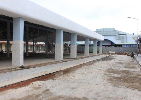 Chợ Bắc Sơn giai đoạn II đã xây dựng tương đối hoàn chỉnh nhưng chưa tiểu thương nào đăng ký vào đây vì sợ buôn bán ế ẩm