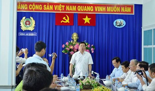 Quang cảnh buổi họp báo khen thưởng lực lượng Công an quận 8