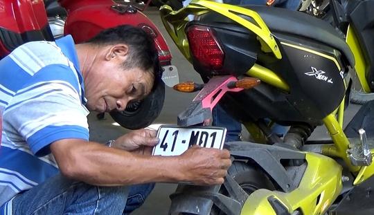 Tại TP HCM rất ít người dân đi đăng ký biển số cho xe máy điện, mô tô điện