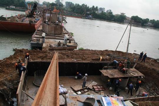 Cầu Ghềnh mới đang hoàn thành những công đoạn đầu tiên