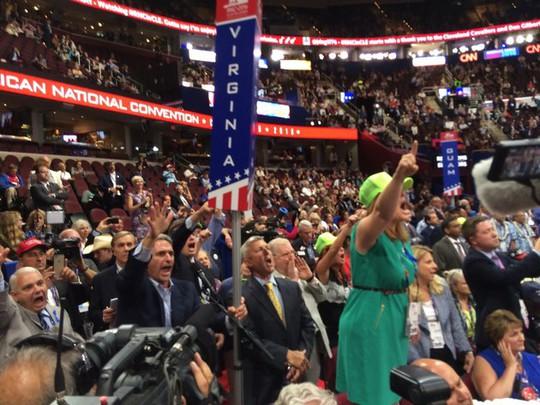 Cảnh hỗn loạn trong đại hội đảng Cộng hòa. Ảnh: Huffington Post