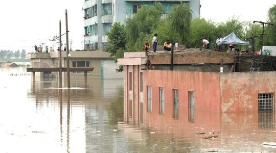 Cảnh lụt lội ở Triều Tiên. Ảnh: KCNA