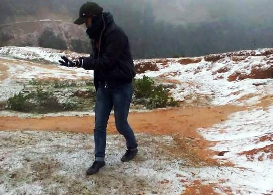 Tại bản Sài Khao, xã Mường Lý, huyện Mường Lát, băng tuyết cũng trắng xóa núi đồi - ảnh facebook Ngọc Ninh