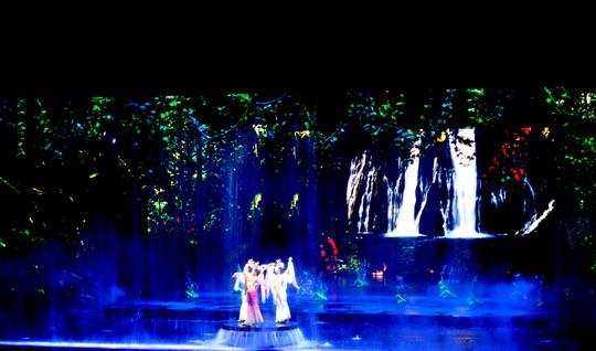 Show diễn Tam Á Thiên cổ tình