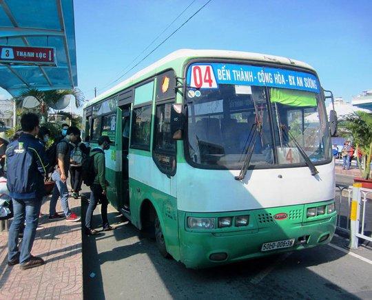Xe buýt TP HCM cần hỗ trợ người khuyết tật