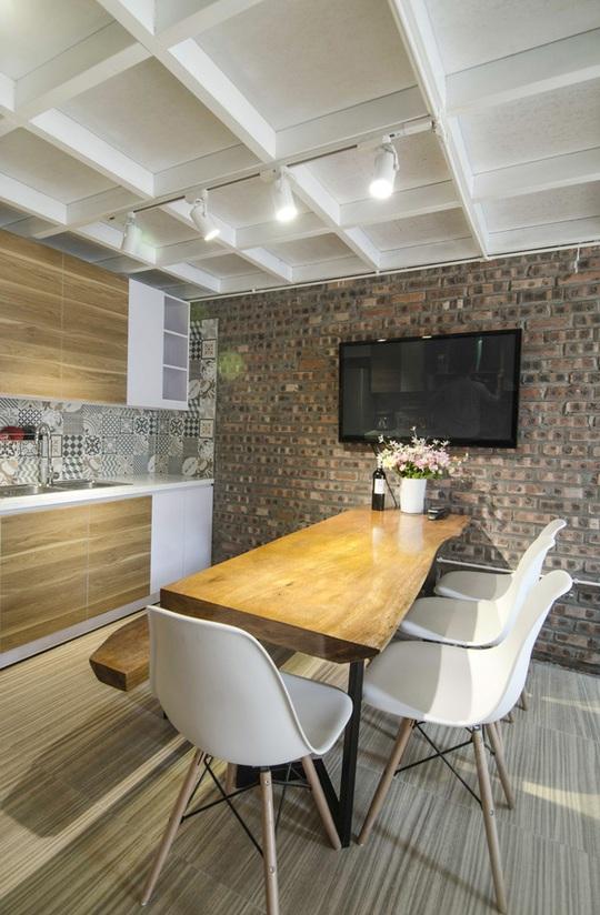 Nội thất trong khu bếp - ăn được lựa chọn theo hướng độc - đẹp - gọn, phù hợp cho gia đình nhỏ.