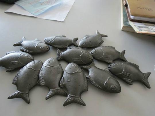 Con cá làm bằng sắt này đang giúp người Campuchia cải thiện tình trạng thiếu máu do thiếu sắt.