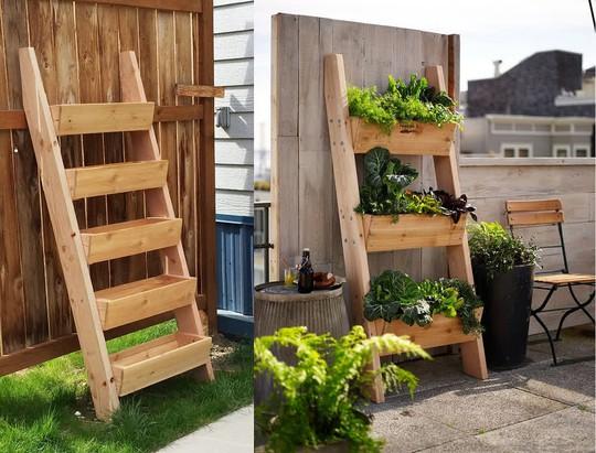 Kiểu khay trồng cây dạng thang gọn nhẹ, dễ làm dễ di chuyển phù hợp với hầu hết không gian sống gia đình tại thành phố.