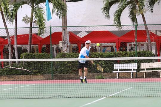 Các vận động viên thi đấu môn quần vợt