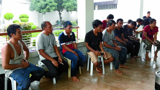 Các con tin Indonesia được thả hôm 1-5. Ảnh: Philippines News