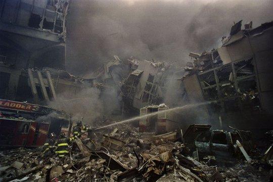 """Đằng sau bức ảnh """"Người đàn ông rơi"""" trong vụ 11-9"""