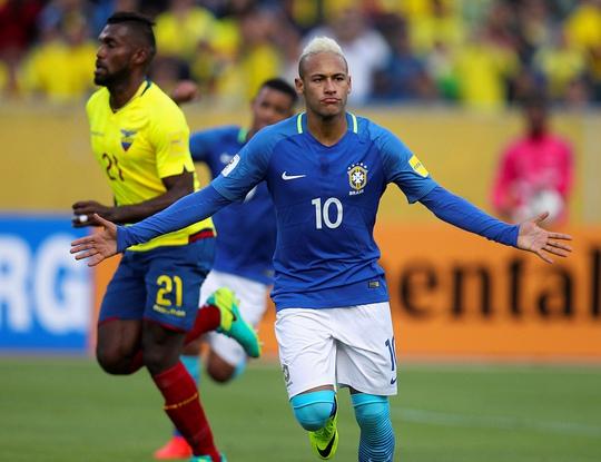 Nỗ lực của Neymar và đồng đội sáng 2-9 giúp Brazil lần đầu thắng chủ nhà Ecuador sau 33 năm Ảnh: REUTERS