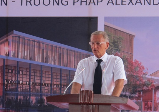 Tại Lễ động thổ, Quốc vụ khanh Bộ Ngoại giao và Phát triển quốc tế- phụ trách Hợp tác Phát triển và Pháp ngữ - André Vallini phát biểu