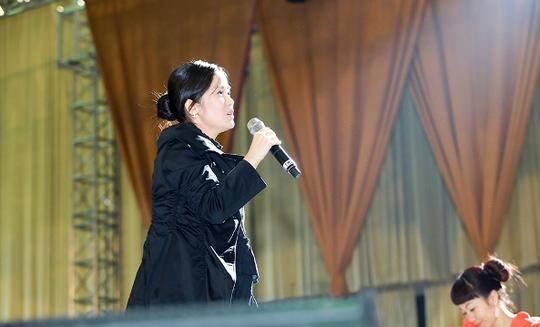 Nữ ca sĩ Hồng Nhung