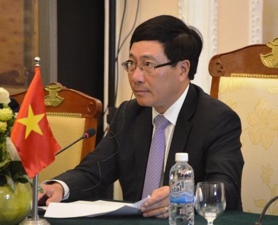 Phó Thủ tướng, Bộ trưởng Ngoại giao Việt Nam Phạm Bình Minh và Bộ trưởng Ngoại giao Nhật Bản Fumio Kishida đồng chủ trì phiên họp Ủy ban Hợp tác Việt Nam - Nhật Bản lần thứ 8