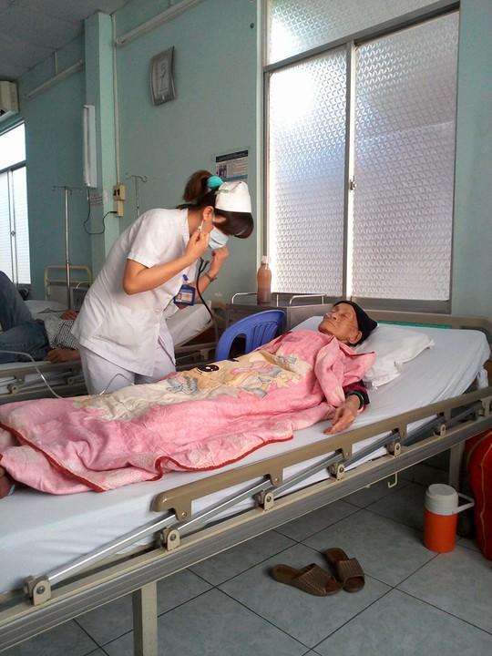 NS Hoài Dung tại BV điều dưỡng quận 8 - TPHCM