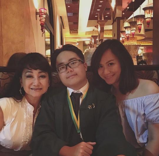 NSƯT Thanh Thanh Tâm và hai con - Kim Tuyền - Ca Dao trong ngày tốt nghiệp trung học của Kim Tuyền