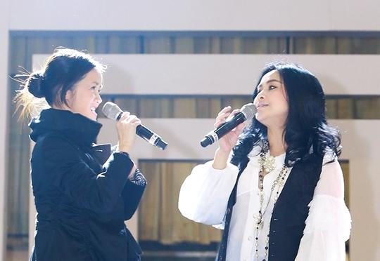 Hai nữ ca sĩ đàn chị vẫn đẹp cuốn hút ở tuổi ngoài 40