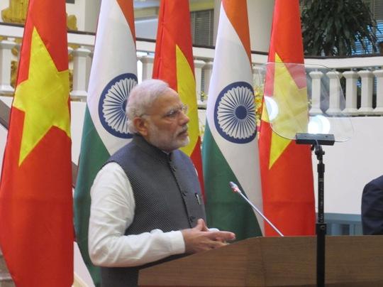Thủ tướng Ấn Độ công bố khoản tín dụng mới của Ấn Độ dành cho Việt Nam trị giá 500 triệu USD dành cho lĩnh vực quốc phòng để nhấn mạnh tới sự hợp tác quốc phòng giữa hai nước