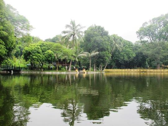 Thủ tướng Narendra Modi cho biết ông hết sức vinh hạnh được đích thân Thủ tướng Nguyễn Xuân Phúc đưa đi thăm Nhà sàn Bác Hồ, nơi được xem như thánh địa của người dân Việt Nam