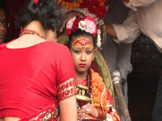 Yunika (7 tuổi) là Kumari hiện tại của Nepal từ năm 2014. Ảnh: ABCNews