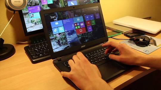 5 laptop giá dưới 8 triệu đáng mua