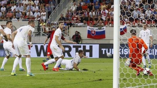 Adam Lallana ghi bàn thắng duy nhất cho tuyển Anh trong ngày ra mắt HLV Sam Allardyce