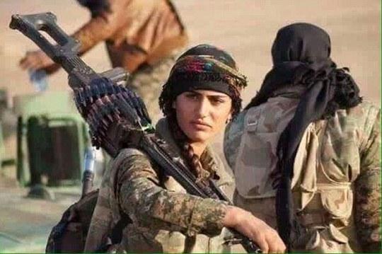 Asia Ramazan Antar được gọi là Angelina Jolie của người Kurd. Ảnh: Daily Mail