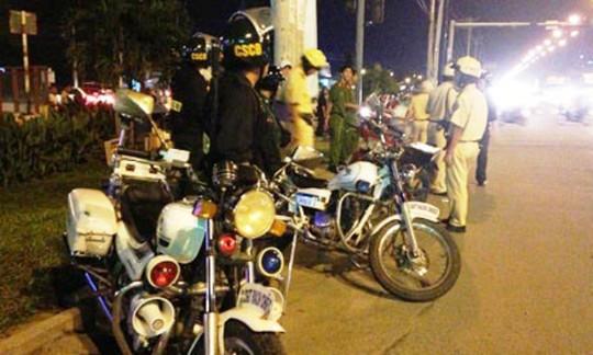 Tổ công tác CSGT, cảnh sát cơ động... thường xuyên tổ chức chốt chặn trên đường phố TP HCM
