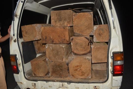 Số gỗ trên xe khách