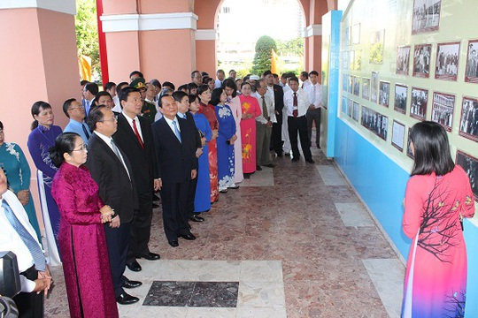 Đoàn lãnh đạo TP HCM tham quan Bảo tàng Hồ Chí Minh – Chi nhánh TP