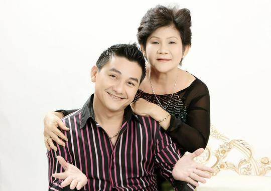 NS hài Anh Vũ và mẹ