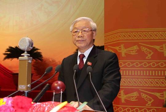 Tổng Bí thư khóa XI Nguyễn Phú Trọng đọc Báo cáo chung của Ban Chấp hành Trung ương Đảng khóa XI về các văn kiện Đại hội