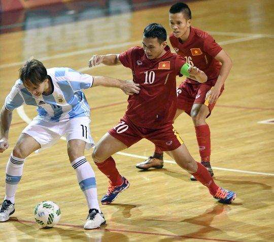 Đội trưởng Bảo Quân là 1 trong 2 cầu thủ ghi bàn cho tuyển Việt Nam