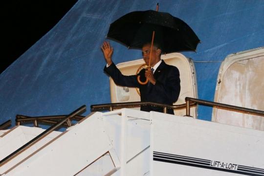 Tổng thống Mỹ Barack Obama đã đến sân bay quốc tế Wattay tại thủ đô Vientiane, Lào hôm 5-9. Ảnh: Reuters