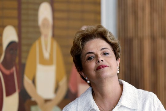 Bà Dilma Rousseff tại cuộc họp báo hôm 13-5 Ảnh: Reuters