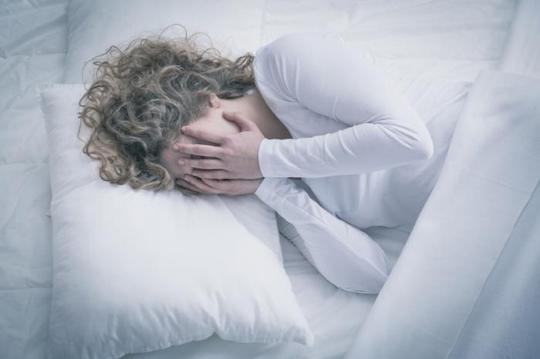 Mệt mỏi chỉ là một trong số nhiều triệu chứng ảnh hưởng nghiêm trọng tới sinh hoạt của bệnh nhân CFS Ảnh: MEDICAL NEWS TODAY