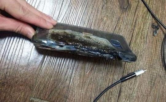 Hình ảnh chiếc Galaxy Note 7 cháy đen khi sạc xuất hiện trên mạng