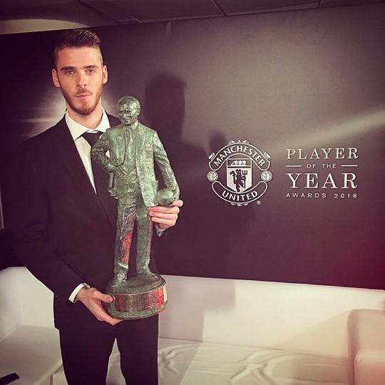 De Gea nhận giải Cầu thủ xuất sắc nhất năm do CĐV bình chọn