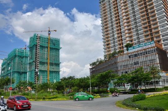 Tín dụng cho bất động sản vẫn tăng trong nhiều năm qua Ảnh: Tấn Thạnh