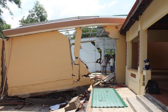 Dù nhà sụp, tường nứt nhưng người dân ở ấp 1, xã Tân An, huyện Vĩnh Cửu, tỉnh Đồng Nai vẫn khẳng định tiếp tục bám trụẢnh: XUÂN HOÀNG