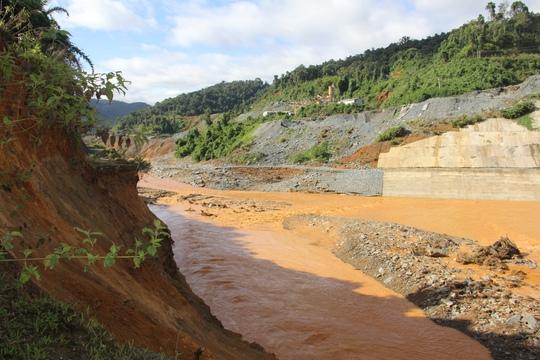 Sự cố tại thủy điện Sông Bung 2 dấy lên lo ngại về sự an toàn của các hồ đập, nhất là ở các thủy điện bậc thangẢnh: TRẦN THƯỜNG