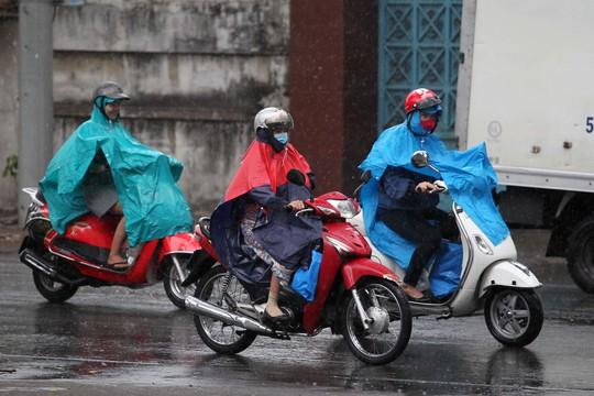 Những ngày qua TP HCM đã có mưa ở vài nơi Ảnh: HOÀNG TRIỀU