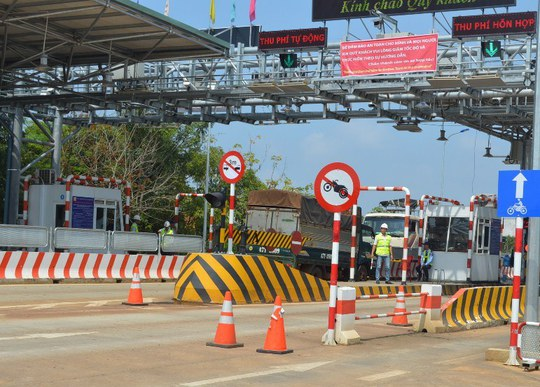 Trạm thu phí BOT trên đường Hồ Chí Minh đoạn qua huyện Đắk Mil, tỉnh Đắk Nông có mức thu từ 35.000 đồng đến 200.000 đồng/lượt Ảnh: CAO NGUYÊN