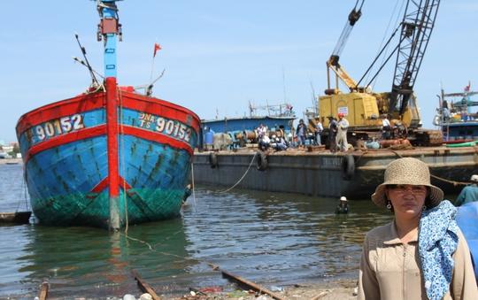 Bà Huỳnh Thị Như Hoa, chủ tàu cá ĐNa 90152 TS bị đâm chìm ở vùng biển Hoàng Sa, theo đuổi vụ kiện tàu Trung Quốc 2 năm nay Ảnh: HOÀNG DŨNG