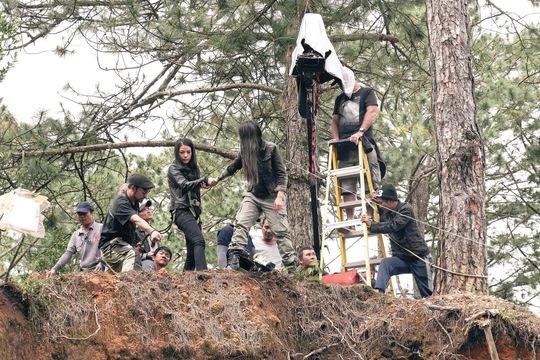 """Một cảnh quay hành động trong phim """"Truy sát"""". (Ảnh do đoàn phim cung cấp)"""