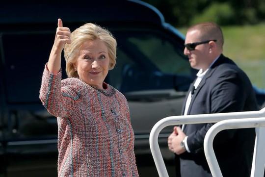 Bà Hillary Clinton khẳng định bà đang rất khỏe mạnh. Ảnh: Reuters