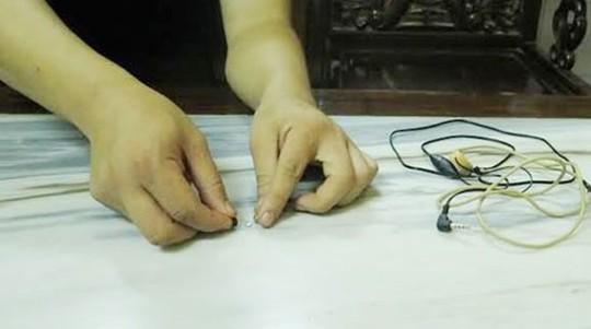 Các giám thị đã được tập huấn rất kỹ trước kỳ thi để phát hiện gian lận thi cử bằng công nghệ cao - Ảnh minh họa